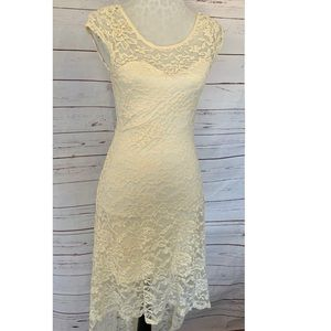Sans Souci Lace Hi Liw Cap Sleeve Dress